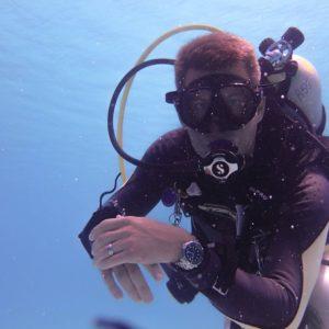 Arturo Diving