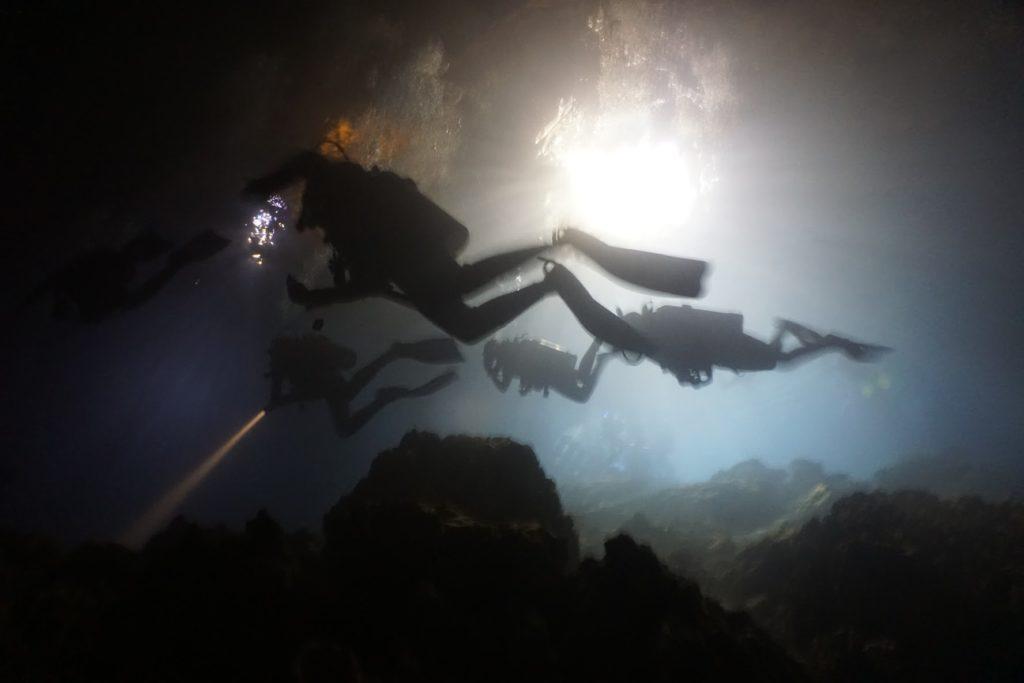 Divers in Devil's Den